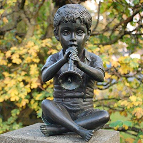 Generic Bronze-Wasserspeier \'Sitzender Junge mit Flöte im Schneidersitz\'