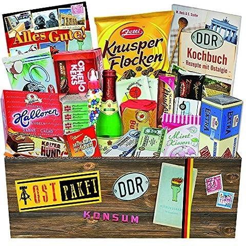 Süssigkeiten Box Ostprodukte – Brausepulver Einzeltüten, Schokolade DDR Geldschein, Kalter Hund uvm. +++ Ostwaren DDR Box als Geschenkkorb mit Kultprodukten der DDR. Ostpakete DDR Waren DDR Geschenke für Männer DDR Produkte Präsentkorb DDR Süßigkeiten-Box Geschenke Mutter und Geschenke Vater Geschenkeset für Ehefrau zu Weihnachten Geschenke zu Weihnachten für Sie Weihnachtsgeschenkideen für Ihn Weihnachtsgeschenke für Freund Weihnachts Geschenke für Männer