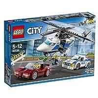 Lego 60138Allarme rosso! Il ladro ha rubato il denaro e l'oro e sta lasciando la città a bordo di un'auto sportiva rubata. Salta sull'auto da inseguimento della polizia e mettiti alle sue calcagna! Se è troppo veloce, chiama l'elicottero della polizi...