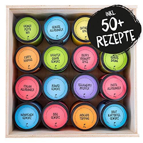 Just Spices Großes Top 16 Gewürze Set mit Kochacademy | Geschenkset in schöner Holzbox mit über 50 Rezepten | Unsere 16 Favoriten in einer Box | Gewürzset Geschenkidee für Männer und Frauen