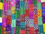 Indische Patchwork-Decke im klassischen Kantha-Stil, handgefertigt aus Patola-Seide, beidseitig verwendbar als Tagesdecke, Überwurf oder Wandbehang (152,4x 228,6cm) Von Bhagyoday.