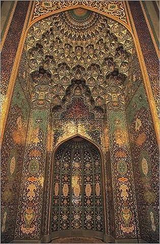 Wood print 60 x 90 cm: Sultan Qaboos Grand Mosque, Oman by Tschanz-Hofmann / Science Photo Library