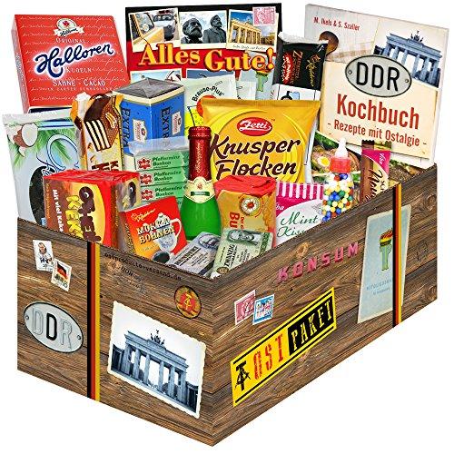 DDR Waren Süßigkeiten Box – Zetti Knusperflocken Vollmilch, Halloren-Kugeln Classic, Viba Nougat Stangen uvm. +++ Ostprodukt DDR Box als Geschenkkorb mit Kultprodukten der DDR Ostpaket DDR Geschenkbox DDR Produkt DDR (Karton Bier Kostüm)