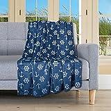 Delindo Lifestyle Kuscheldecke Nautic Blau, Microfaser Fleece-Decke in 150x200 cm, Flauschig Weiche Maritime Wohndecke für Erwachsene und Kinder