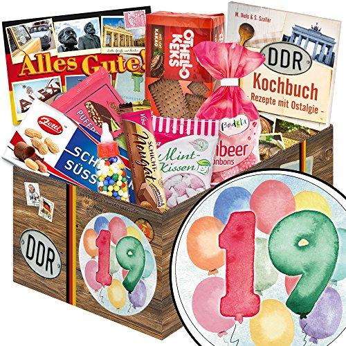 19 Geburtstag | Geschenk Set | in aquarell Zahl 19 | zum Geburtstag | Süße Sueße Geschenkbox | mit Puffreis Schokolade, Viba, Zetti und mehr