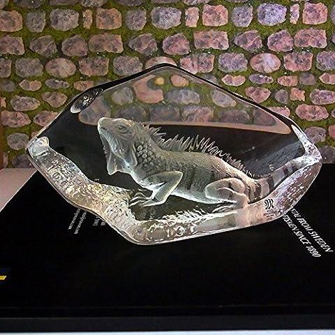 MATS JONASSON ART GLASS SCULPTURE LEGUAN , SIGNED, AUTHENTIC AND NEW IN BOX