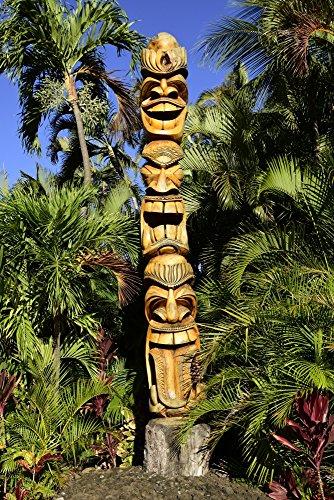 rek Images – Hawaiian totem pole in Maui Hawaii. Photo Print (58,93 x 88,39 cm) (Hawaii-totem Pole)