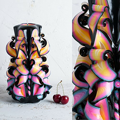 gross-schwarz-und-regenbogen-helle-farben-dekorativ-geschnitzte-kerze-evecandles