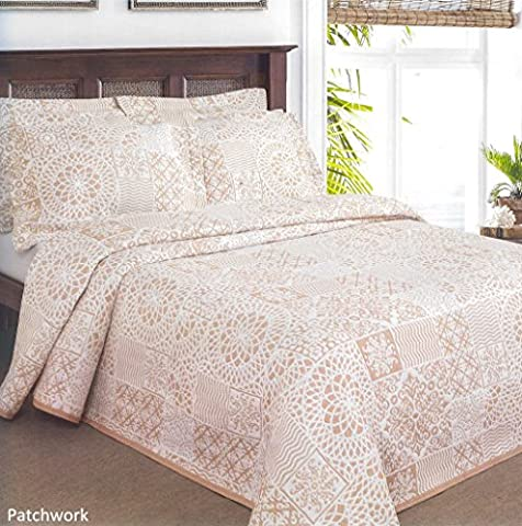 ShawsDirect Lace Patchwork Bedspread (Double, Oatmeal)