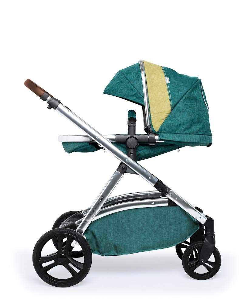 Cosatto Wow XL 3-in-1 Pram and Pushchair, Suitable from Birth - 25 kg, with Tandem Mode and Buggy Board- Hop to It Cosatto The flexible family unit, Wow XL has the capability, straight out of the box, to be used as a single child travel system (3-in-1) or as a double/tandem for an older sibling too, with no need to buy any extras (box includes: 1 x Carrycot and 1 x Seat unit) The spacious carrycot is comfy, with extra padded mattress and apron; easy to manoeuvre with one handed pushbutton carrycot release; swap the from-birth carrycot to reversible pushchair seat when they're ready to sit up; the single pushchair mode supports up to 25 kg so your toddler can use it for even longer; with the added ease of one-handed seat unit recline and integrated calf support; the fully extendable hood with visor is 100 UPF and has a peep hole to keep an eye on little ones High-quality craftsmanship; from woven textured fabrics and discoverable details, to gleaming chrome chassis from significant leatherette handle to exquisite embroideries and felt appliques; each design comes with two cuddly travelling companions, straight from Cosatto's famous storytelling pattern; when you explore together, anything can happen 3