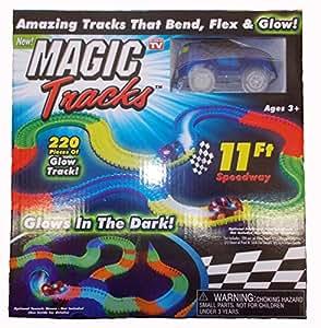 magic tracks glow in the dark blue car jeux et jouets. Black Bedroom Furniture Sets. Home Design Ideas