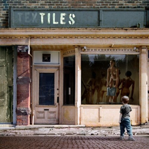 Window Dressing by Tiles (2004-05-02)