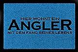 SCHMUTZMATTE Geschenk HIER WOHNT EIN ANGLER Fußmatte Hobby Flur Royalblau