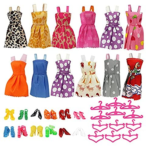 HTIANC 12 Mode Robes Vêtements et 12 Chaussures et 12 Cintres pour Barbie Poupée (36Pcs)