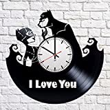 Horloge murale disque vinyle moderne avec Batman Catwoman Motif I Love You-Unique Chambre à coucher Décoration murale-Idée cadeau original pour homme et femme-exclusif DC Comics Fan Art
