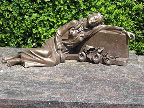 H. Packmor GmbH Bronzeskulptur Frau am Grabstein liegend Grabdekoration Dekorationsfigur Braun