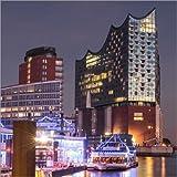 Poster 80 x 80 cm: Elbphilharmonie und Marina in Hamburg