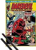 1art1 Poster + Hanger: Daredevil Poster (91x61 cm) Bullseye Never Misses, Marvel Comics Inklusive EIN Paar Posterleisten, Schwarz