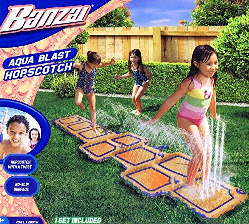 Banzai Wasserspielzeug Tempelhüpfen Hüpfspiel mit Dusche