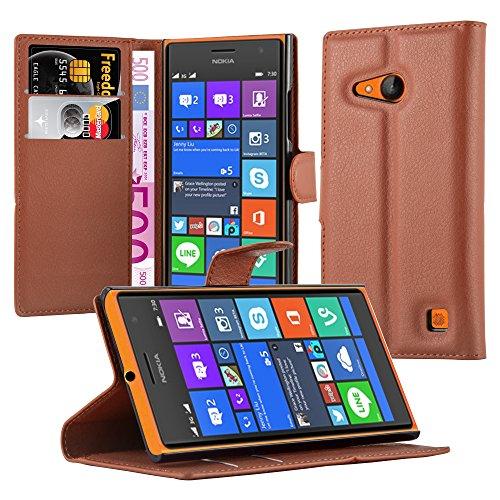 Cadorabo Hülle für Nokia Lumia 730 Hülle in Schoko braun Handyhülle mit Kartenfach & Standfunktion Case Cover Schutzhülle Etui Tasche Book Klapp Style Schoko-Braun