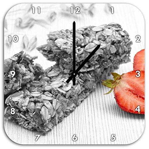 Bio Müsliriegel mit Erdbeere schwarz/weiß, Wanduhr Quadratisch Durchmesser 48cm mit schwarzen spitzen Zeigern und Ziffernblatt, Dekoartikel, Designuhr, Aluverbund sehr schön für Wohnzimmer, Kinderzimmer, Arbeitszimmer
