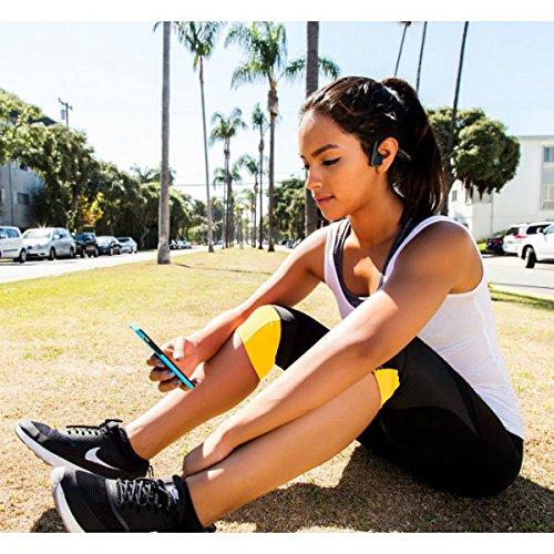 Aftershokz trekz titanium bone conduction cuffie audio bluetooth a conduzione ossea per attività sportiva con microfono, grigio