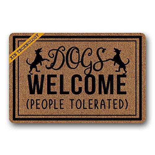 """Rutschfeste Fußmatte für den Einfangsbereich mit englischsprachiger Aufschrift """"Dogs Welcome People Tolerated"""", langlebiger Gummi, 40 x 60 cm"""