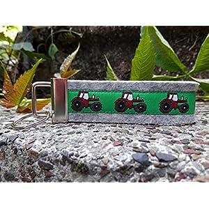 Schlüsselanhänger Schlüsselband Wollfilz hellgrau Traktor grün rot !