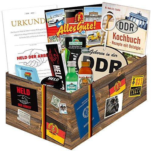 """Waren DDR """"Echte Männer in der DDR """" inkl. Geschenkverpackung   Ostprodukte Geschenk für Männer mit Bier + Schnaps + Kondomen + Erichs Rache und mehr (Schnaps-korb-ideen)"""