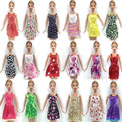 15-pieces-of-barbie-doll-dresses-clothes-hangers-shoes-bundle-lot-d5
