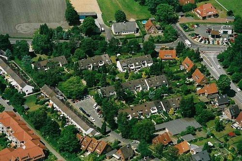 MF Matthias Friedel - Luftbildfotografie Luftbild von Friedrichsgaber Weg in Norderstedt (Segeberg), aufgenommen am 03.06.02 um 12:46 Uhr, Bildnummer: 2105-09, Auflösung: 3000x2000px = 6MP - Fotoabzug 50x75cm