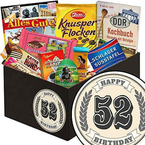 52 Geburtstag | Schoko Geschenke in klassisch | schwarze Geschenkbox | Zahl 52 | zum Geburtstag | Schokoladengeschenk | mit Puffreis Schokolade, Viba, Zetti und mehr