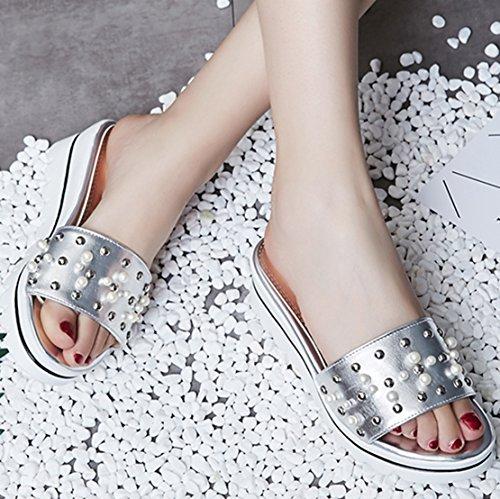 AIYOUMEI Damen Offene Plateau Keilabsatz Slipper Sandalen mit Perlen Bequem Sommer Schuhe Silber