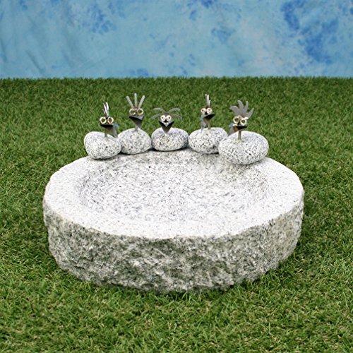 Vogelbad aus Granit (mit 5 Vögele am Rand sitzend)