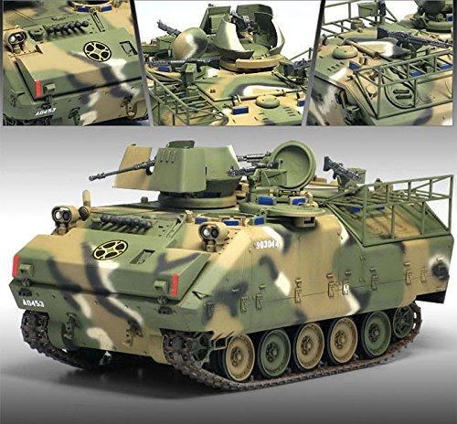 1-35-rok-army-k200a1-korean-infantry-fighting-vehicle-13292-plastic-model-kit