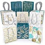 Sac cadeau Arteza pack de 16 | 2 sacs blancs de chaque modèle, 8 motifs en tout | Sac cadeau Noël lot, anniversaire, fêtes | 24 x 17,8 x 8,6 cm | Sac cadeau papier brillant