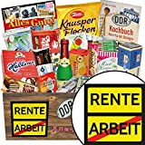 Rente | Süßigkeiten Geschenk | Geschenkideen | Rente | Geschenkset DDR | Ruhestand Geschenk lustig | mit Trabi Puffreis Schokolade, Zetti und mehr | INKL DDR Kochbuch