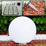 Solar Kugelleuchte Nassau 30cm - Leuchtkugel aus weißem Kunststoff mit Erdspiess – Kugellampe – Mit Ein/Aus-Schalter an der Unterseite – Solarlampe mit Dämmerungsschalter – Kugellampe mit Solarpanel