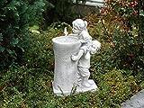 Massiver Springbrunnen Kinderfigur Vogelbad Vogeltränke mit Wasserlauf Steinguss, frostfest