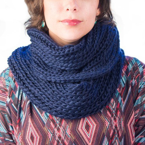 knitted-infinity-scarf