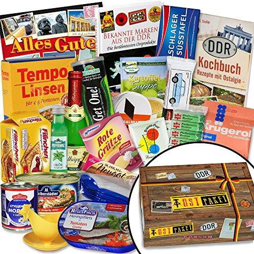 """Ostpakete """"DDR SPEZIALITÄTEN BOX"""" INKL Buch Geschenkverpackung mit Ostmotiven. DAS DDR Waren Geschenk mit bekannten DDR Produkten wie Rotkäppchen Sekt Piccolo, Brausepulver Einzeltüten, Gezuckerte Kondensmilch, ++ inkl. Buch """"Bekannte Marken aus der DDR ++ Für Ostalgiker ein tolles Geschenk +++ Ossi Paket Ostpaket für Männer DDR Paket Ostprodukte Präsentkorb Ostprodukte Geschenk für Frau DDR Box"""