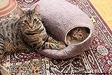 Katzenhaus / Bett / Betthöhle, handgefertigt aus natürlichen, ökologischen Wolle. Farbe Sandbraun. Größe L - 5