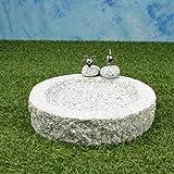 Vogelbad aus Granit (mit 2 Vögele am Rand sitzend)