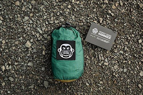Monkey Swing Hängematte aus Fallschirm Nylon Ultra Light (275 x 140 cm, 180 kg Traglast) im Set mit Haltegut und Karabiner, Outdoor Trekking & Camping Hammock (Grün/Khaki) - 7