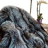 FOX FASHION Pelz Decke Teppich aus echtem Silberfuchs Fell Tagesdecke Felldecke Echtfell Echpelz Silber Grau Silberfuchsfell Fuchs Fuchsfell (210x190 cm)