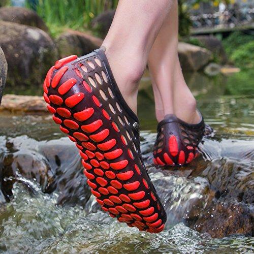 Xing Lin Chaussures DÉté Hommes Trou De Plein Air DÉté Hommes Chaussures Grande Taille Slip Modèles Couple Respirant Sandales Sandales Hommes Tide Chaussons Black and red