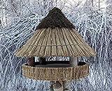 Vogelfutterhaus mit Reetdach und Heidekappe, 'Heidehütte mittel'