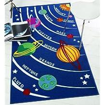 Planetas azul alfombra para niños. Diseño de espacio, Universo. Gran tamaño 100x 190cm antideslizante de suelo duro. Reino Unido continental envío sólo, nailon, azul, Small: 80x120cm (Farmyard)