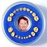 Firsty Milchzahndose Round Magnetic< (blau) Jungen, Deutsch, mit Kühlschrankmagnet und Zahnereignis Aufkleber.