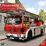 Feuerwehr 2020, Wandkalender / Broschürenkalender im Hochformat (aufgeklappt 30x60 cm) - Geschenk-Kalender mit Monatskalendarium zum Eintragen